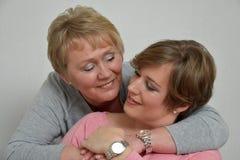 Mooie moeder en dochter stock foto's