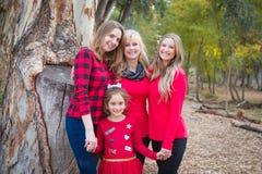 Mooie Moeder met Dochters en Gemengd Raskleinkind royalty-vrije stock afbeeldingen
