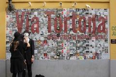 Mooie Muurkunst in Milaan binnen via Tortona Stock Fotografie