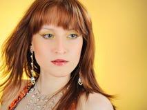 Mooie mystic vrouw met gouden samenstelling royalty-vrije stock afbeelding