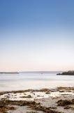 Mooie oceaanscène bij schemer Stock Afbeelding