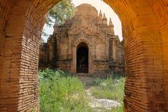Mooie ochtend oude tempels en pagode in de Archeologische Streek, oriëntatiepunt en populair voor toeristische attracties en royalty-vrije stock foto