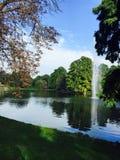 Mooie oever van het meer Royalty-vrije Stock Foto's