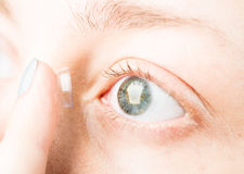 Mooie oog en contactlens Stock Foto