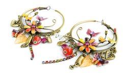 Mooie oorringen met fijn ornament Stock Foto's