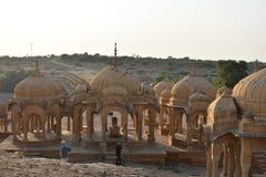 Mooie oude cenotaven van rawal koningen in bada baagh jaisalmer Rajasthan India royalty-vrije stock foto