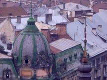 Mooie oude stad van Lviv, daken van oude gebouwen Royalty-vrije Stock Foto