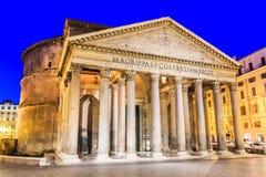 Mooie oude vensters in Rome (Italië) Royalty-vrije Stock Foto's