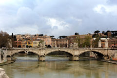 Mooie oude vensters in Rome (Italië) Stock Afbeeldingen