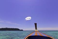 Mooie overzees en wolk Stock Foto