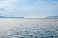 Mooie overzeese van Kroatië bergen Royalty-vrije Stock Fotografie