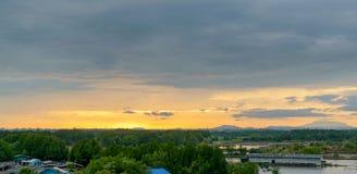 Mooie panoramamening van zonsondergangachtergrond in het platteland van Thailand Royalty-vrije Stock Foto