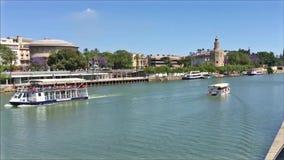Mooie panoramisch van Sevilla, met Torre del Oro