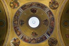 Mooie plafondkoepel met mozaïek Royalty-vrije Stock Foto's