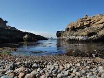Mooie reserve aan de oceaankust stock foto's