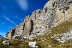 Mooie rotsachtige bergmuur Dolomiti Di Brenta, Italië royalty-vrije stock foto