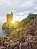 Mooie rotsachtige kust stock foto's