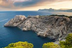 Mooie rotsachtige kust in Mallorca Stock Afbeeldingen