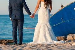 Mooie scène van bruid en bruidegom Stock Foto's
