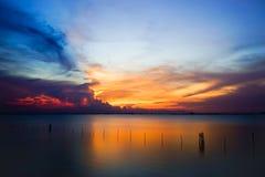 Mooie schemeringhemel over het overzees, Zuidelijk Thailand Stock Afbeelding