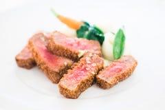 Mooie schotel met gekookt vlees Stock Foto