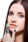 Mooie sensuele jonge vrouw met naakte schouders royalty-vrije stock fotografie