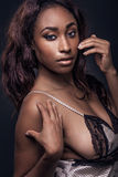 Mooie sexy Afrikaanse Amerikaanse vrouw Royalty-vrije Stock Afbeeldingen