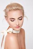 Mooie sexy blonde naakte het lichaamsvorm van de vrouwen natuurlijke make-up Royalty-vrije Stock Foto's