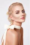 Mooie sexy blonde naakte het lichaamsvorm van de vrouwen natuurlijke make-up Stock Afbeelding