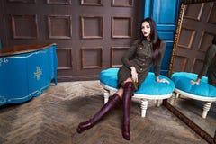Mooie sexy jonge toevallige luxe elegante slijtage van het vrouwen de donkerbruine haar Stock Foto's