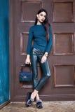 Mooie sexy jonge toevallige luxe elegante slijtage van het vrouwen de donkerbruine haar Stock Foto