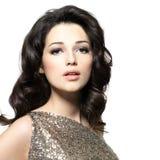 Mooie sexy vrouw met broun krullende haren Stock Fotografie