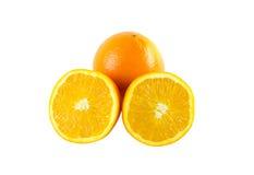 Mooie sinaasappelen op witte achtergrond Royalty-vrije Stock Foto's