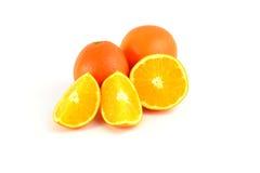 Mooie sinaasappelen op witte achtergrond Stock Foto