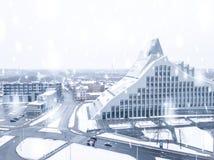 Mooie sneeuw de winterdag in Letland stock fotografie