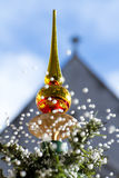 Mooie sneeuwende Kerstmisboom Stock Afbeeldingen