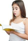 Mooie Spaanse meisjeslezing royalty-vrije stock foto's
