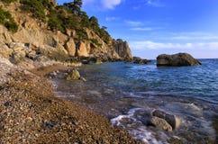 Mooie, stille baai op de Zwarte Zee Stock Foto