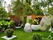 Mooie stoelen in tuin Royalty-vrije Stock Fotografie