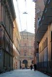 Mooie straat van Bologna op zonsondergang royalty-vrije stock fotografie