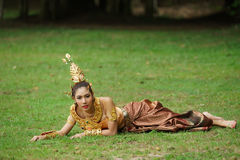 Mooie Thaise dame in Thaise traditionele dramakleding Royalty-vrije Stock Afbeeldingen