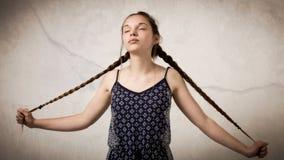 Mooie Tiener met Vlechten en Onesie Royalty-vrije Stock Foto
