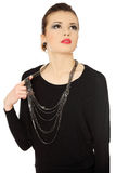 Mooie tienerbrunette met jewelery royalty-vrije stock fotografie