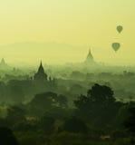 Mooie toneelzonsopgang en mening van Ballon voor toerist bij zak Royalty-vrije Stock Fotografie