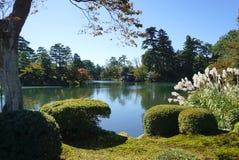 Mooie tuinlandscpae bij Kenrokuen-tuin Royalty-vrije Stock Afbeeldingen