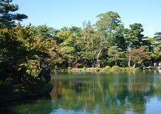 Mooie tuinlandscpae bij Kenrokuen-tuin Stock Fotografie