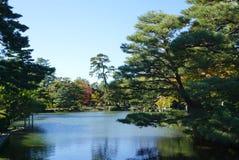 Mooie tuinlandscpae bij Kenrokuen-tuin Stock Afbeeldingen