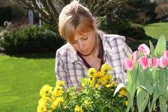 Mooie tuinman royalty-vrije stock afbeeldingen