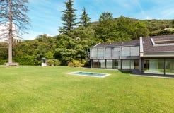 Mooie villa, openlucht Stock Foto's