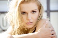 Mooie volwassen sensualiteitvrouw Stock Fotografie